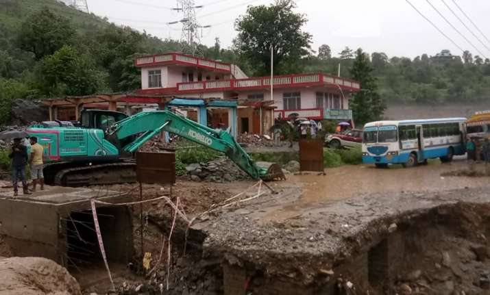 Himachal Pradesh:A landslide has occurred in Banala area