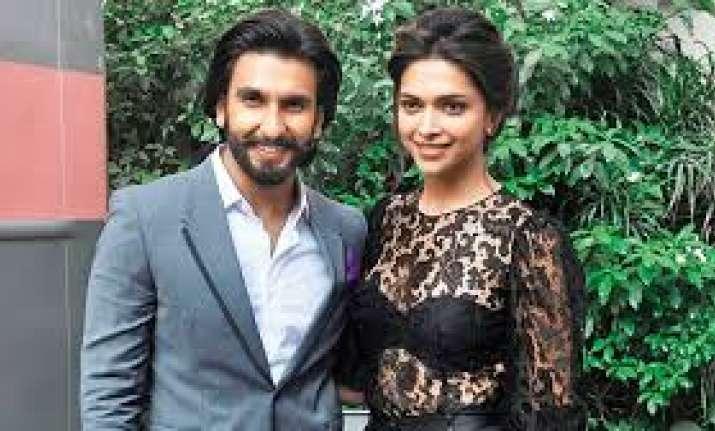 Deepika Padukone can't stop drooling over Ranveer Singh's ...