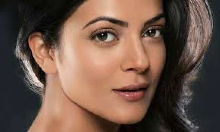 Sushmita Sen: Today women don't need to pull down each
