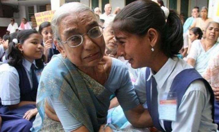Viral video: Girl finds her missing grandmother on a trip