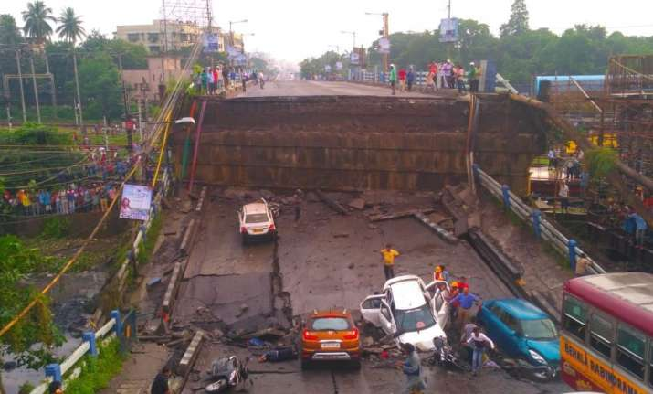 Kolkata Bridge Collapse: One dead, 25 injured; road and ...