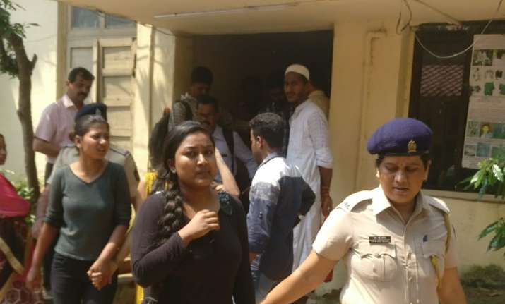 Four women attack cops, remanded in judicial custody for 14