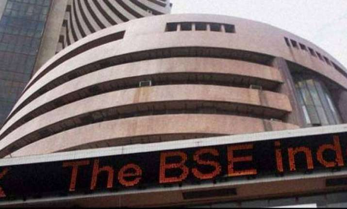 Sensex rallies over 400 pts on clever tellurian cues, descending wanton prices