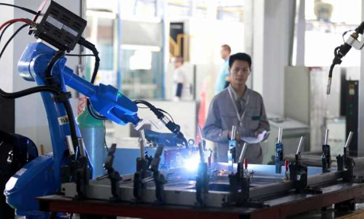 Researchers develop new robotic system capable of learning