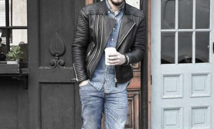 d09411b3daba Man s guide to styling a leather jacket with right sneakers ...