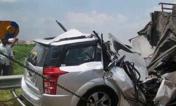 Uttar Pradesh: 5 people killed in head on collision between