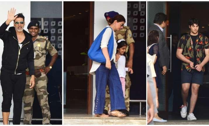 Akshay Kumar, Twinkle Khanna with family
