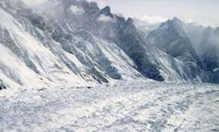 Three people missing after coming under avalanche in