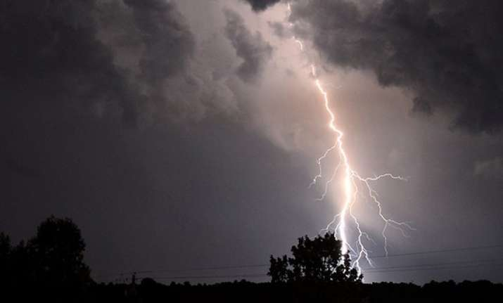 Lightning strike kills 4 as unseasonal rains lash Nashik
