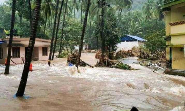 Heavy rains lash Kerala