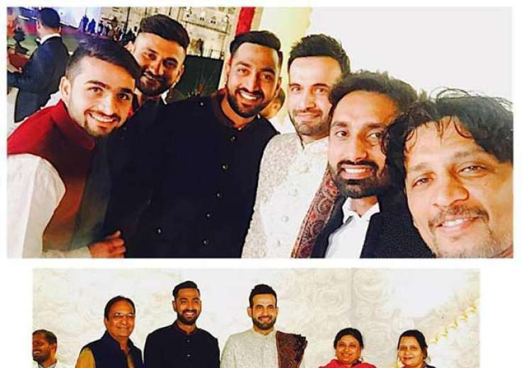 Irfan clicked with family and friends. - India Tv