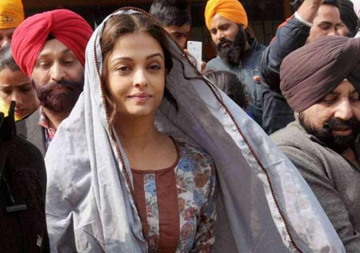 aishwarya rai during her visit to golden temple, amritsar for sarabjit - India Tv
