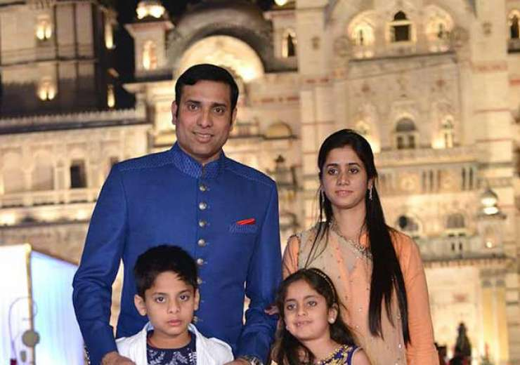 VVS Laxman with wife and children. - India Tv