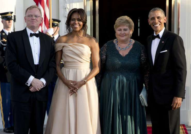 They stand with Norwegian P M Erna Solberg and her husband Sindre Finnes - India Tv