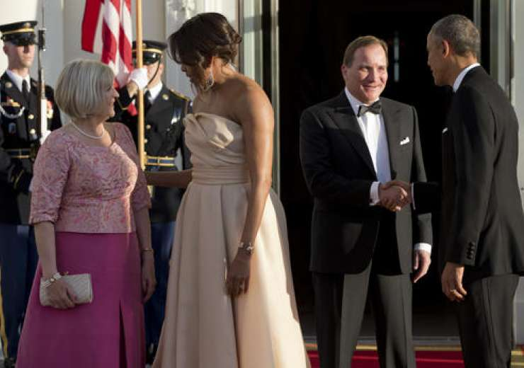 Barack Obama and Michelle Obama greet Swedish Prime Minister and his wife - India Tv
