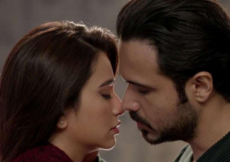 Kriti Kharbhanda had earlier said that it was kind of weird kissing Emraan - India Tv