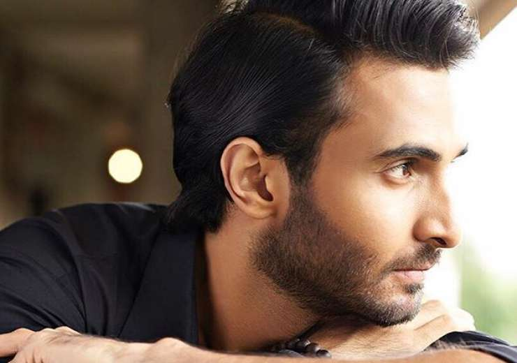 His perfect face will definitely be an add-on to his Bollywood career. - India Tv