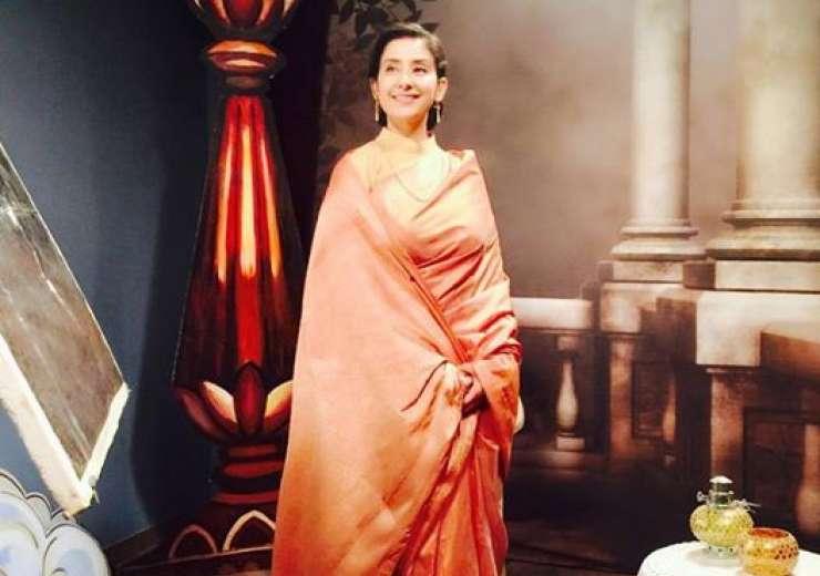 Manisha looks like a royal princess in this saree. - India Tv