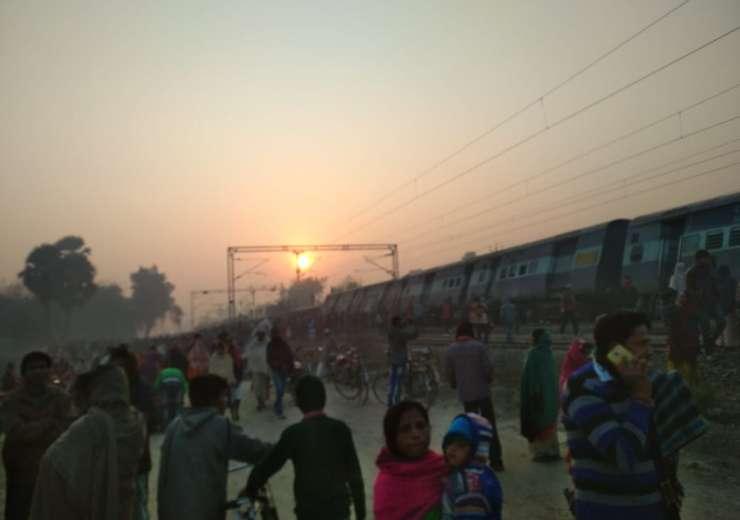 Bihar: At least 6 dead as 9 coaches of Delhi-bound Seemanchal Express derail near Hajipur; toll like - India Tv