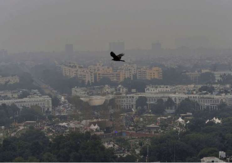 Connaught Place shrouded in heavy haze post-Diwali celebrations - India Tv