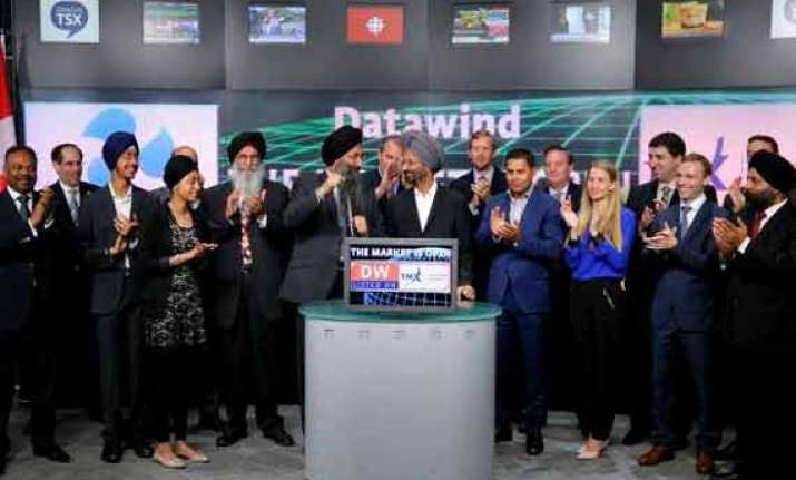 aakash maker datawind raises rs. 168 crore via ipo lists