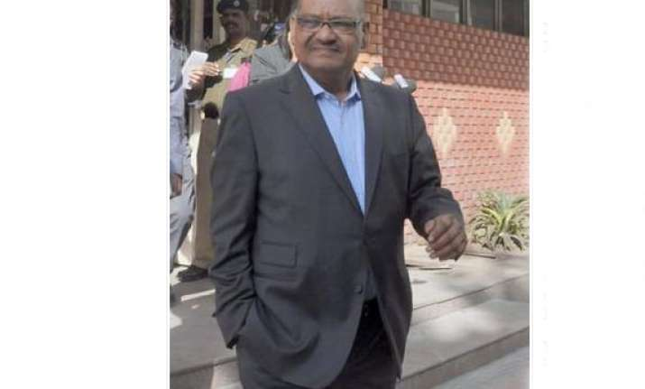 anil agarwal plans to handover reins to professional ceo