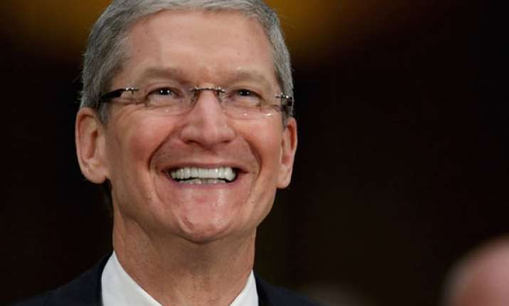 apple ceo tim cook dares to be different from steve jobs