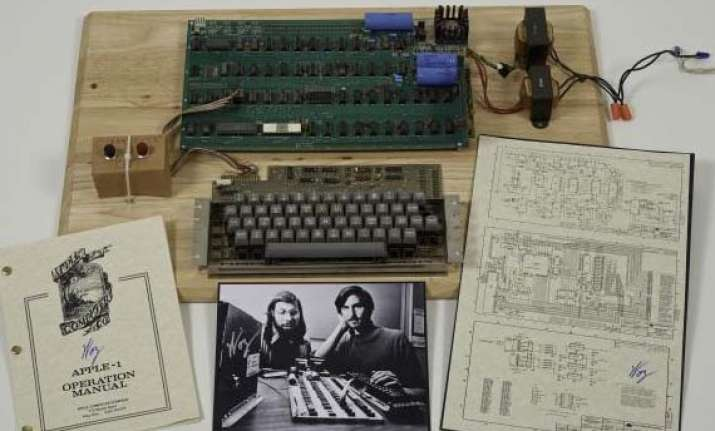 apple 1 sells for a whopping 387 750 in online auction