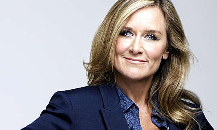 apple hires burberry ceo angela ahrendts to head retail
