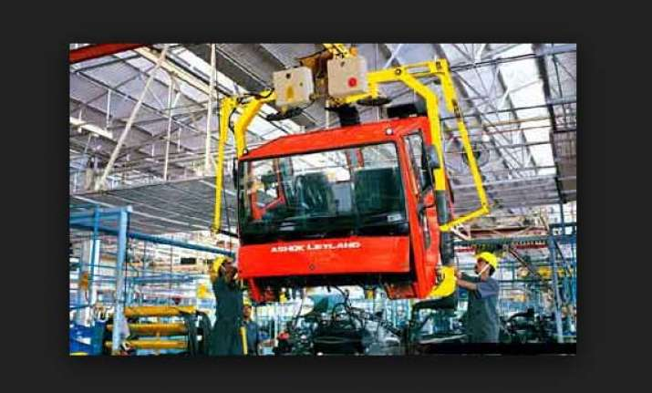 ashok leyland posts rs.141 crore loss in first quarter