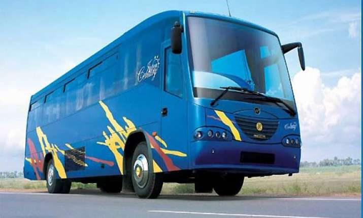 ashok leyland to introduce passenger van by jv with nissan