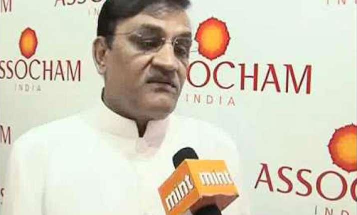 assocham seeks immediate cut in short term lending rate