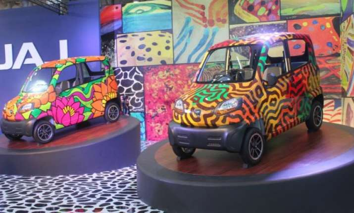 auto expo 2014 bajaj shows off re60 signature collection