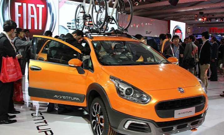 auto expo 2014 fiat introduces three cars avventura abarth