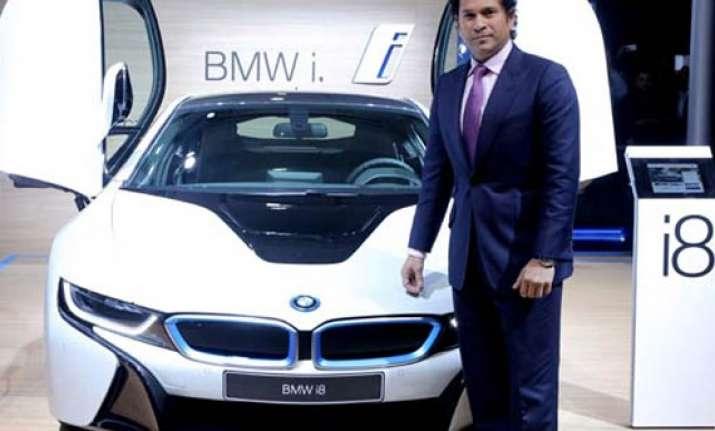 auto expo 2014 sachin tendulkar unveils bmw i8