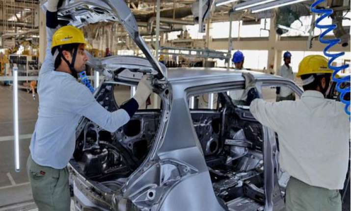 auto industry reacts sharply to excise customs hike