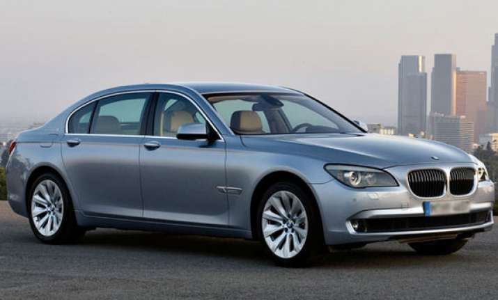 bmw launches activehybrid 7 at rs 1.35 crore