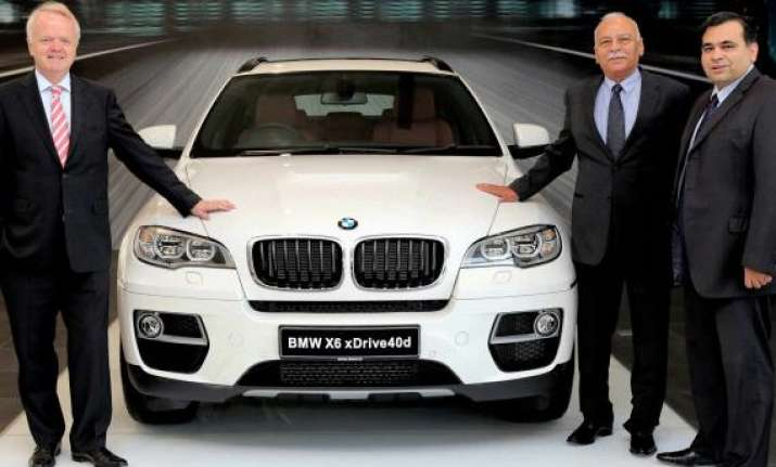 bmw launches 2013 x6 sports activity coupe in india