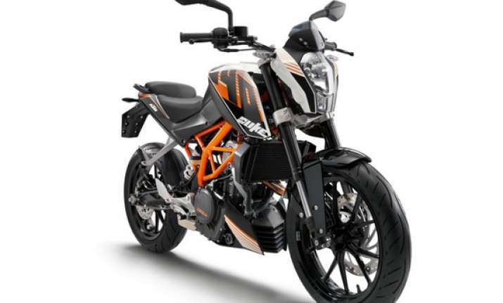 bajaj launches ktm duke 390 at rs 1.8 lakh pictures and