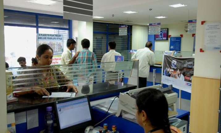 banks to remain open on march 29 31 for tax collection