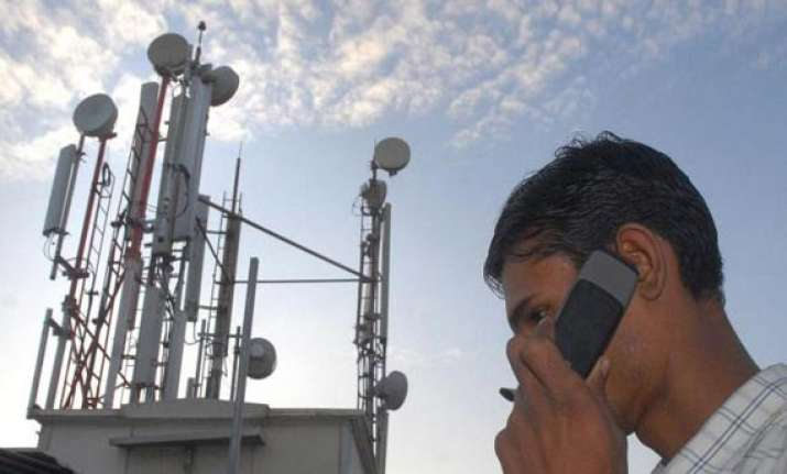 bids worth rs 59k cr pour in for spectrum by end of day 8