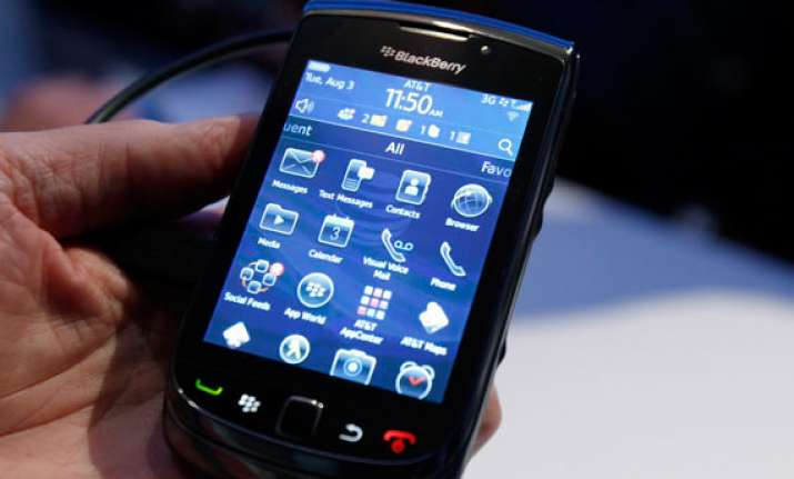 blackberry finally sets up server in mumbai