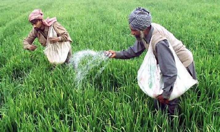 centre cuts subsidy on fertilisers