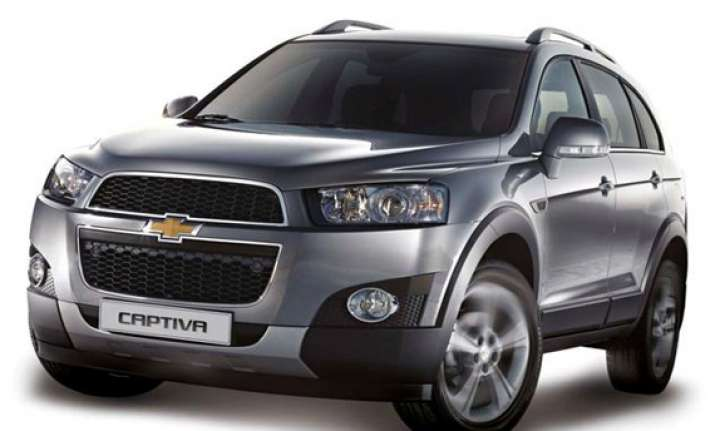 chevrolet launches updated captiva starting from rs. 18.74