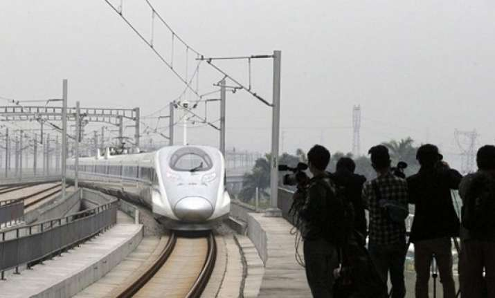 reasons why india can t build a long high speed railway