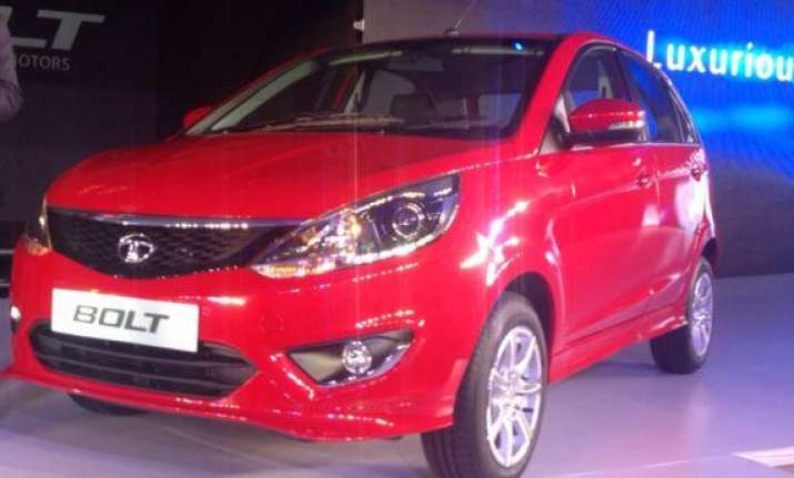 delhi auto expo 2014 tata motors unveils hatchback bolt