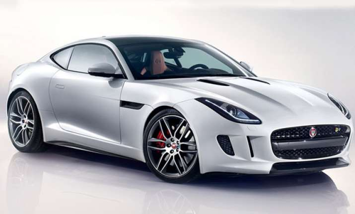 delhi auto expo 2014 jaguar unveils its powerful f type