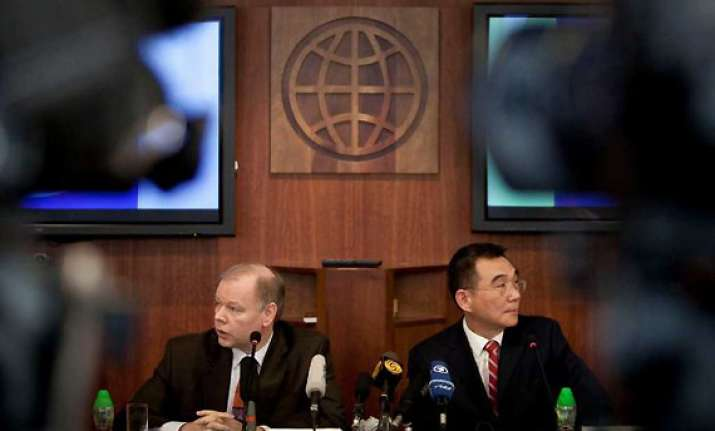 domestic policy paralysis in india says world bank