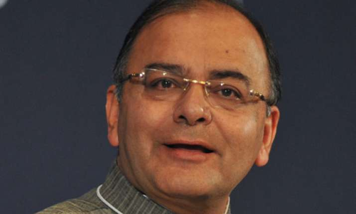don t panic on inflation says jaitley passes the buck to