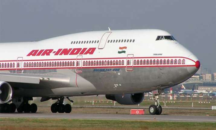 don t privatize air india says citu